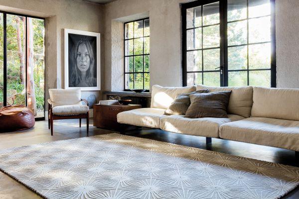 ber uns bei inneneinrichtung kraft einkaufen in m nchen. Black Bedroom Furniture Sets. Home Design Ideas